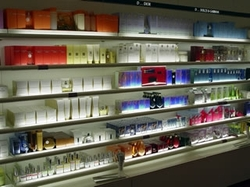 Sephora_shelves_2